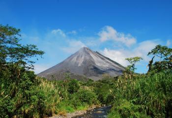 Costa_rica_arenal_volcano